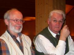 """Kassier H. Focke (l.) und 1. Vorstand D. Aigner: Wie """"verkaufen"""" wir die geplante Beitragserhöung?"""