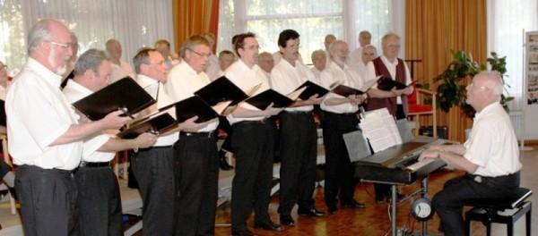 24.06.07 Die Feringer Vocalisten bem Konzert des MGV im Feringasaal in Unterföhring