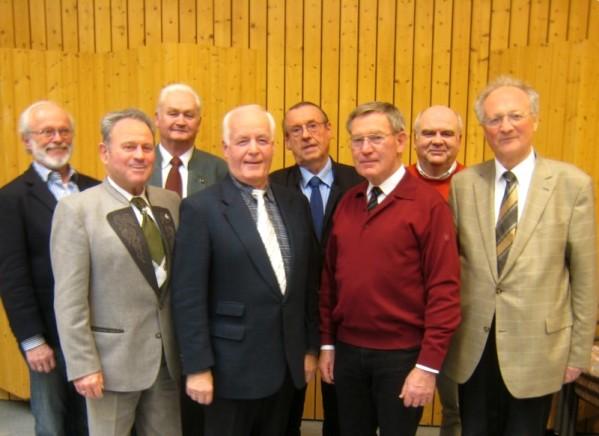 Die Vorstandschaft des MGV bei Jahreshauptversammlung am 03.02.2012